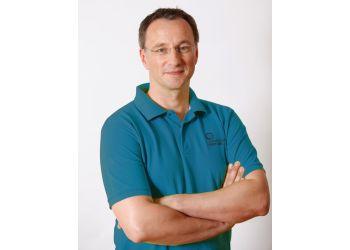 Dr. Gernot Bartl