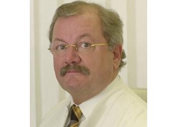 Dr. med. Peter Hollos